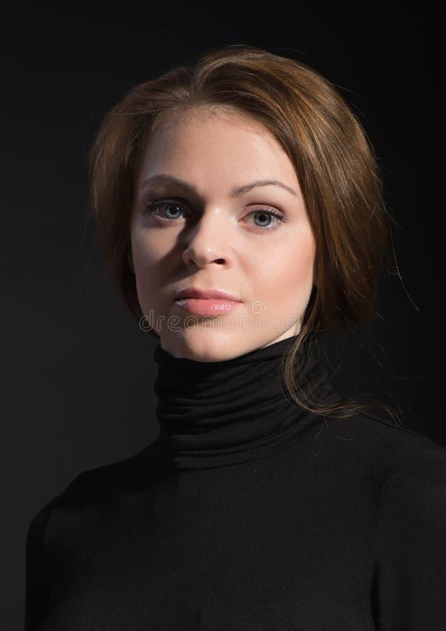 Potrrait de jeune belle femme images libres de droits