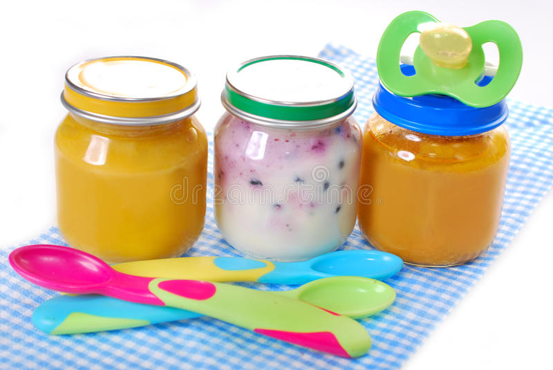 Pots Avec L Aliment Pour Bébé Photos libres de droits