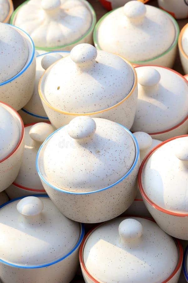 Pots chinois de conserves au vinaigre photo stock