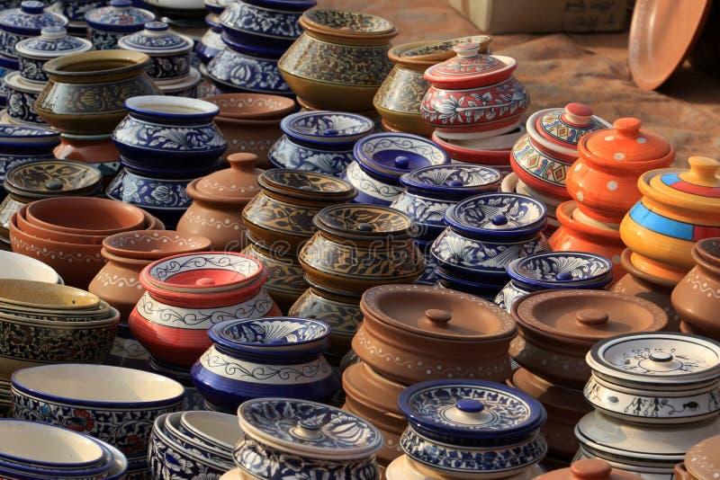 Pots chinois de conserves au vinaigre photos stock