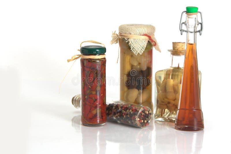 Pots d'épices et ail et oignon photo stock