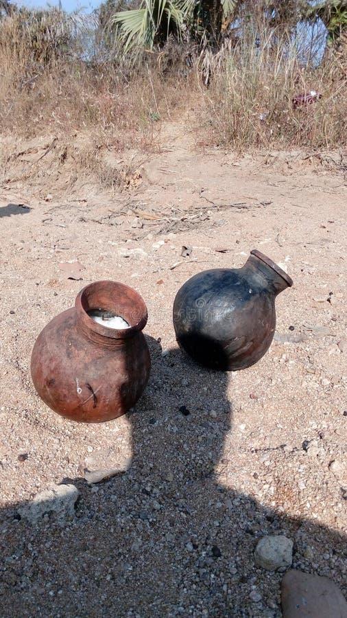 Pots de grog dans l'Inde de village images stock