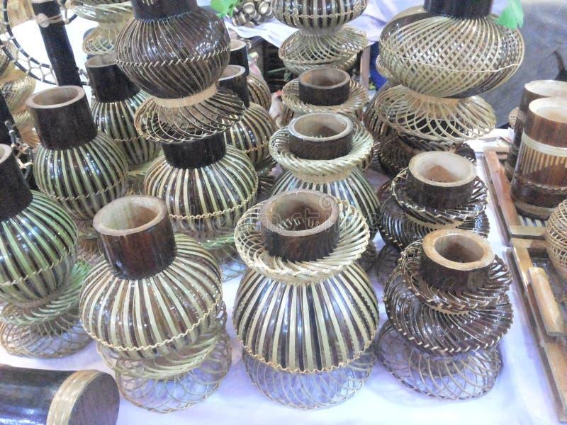 Pots faits à partir du bambou image libre de droits