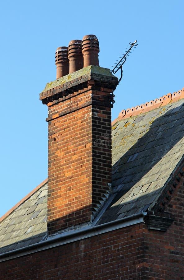 Pots victoriens de pile de cheminée photographie stock libre de droits