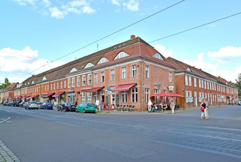 Potsdam, Alemania El edificio comercial en Friedrich Ebert Strasse imagenes de archivo
