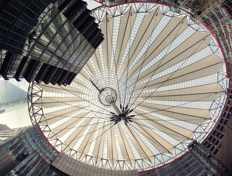 potsdamer Сони platz разбивочного купола самомоднейшее стоковая фотография rf