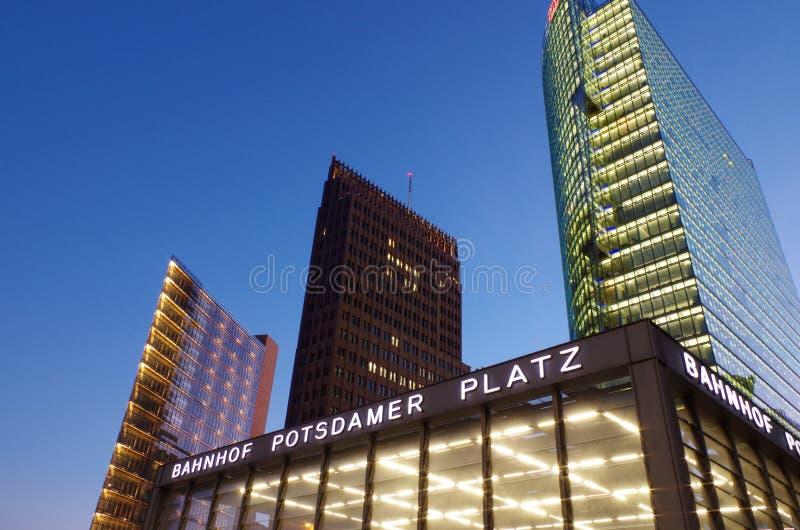 Potsdamer platz in Berlijn stock afbeeldingen
