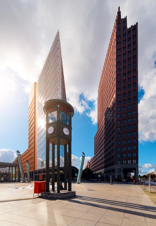Potsdameren Platz i Berlin royaltyfria foton