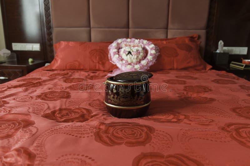Potta för nygifta personer royaltyfri fotografi