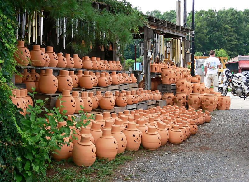 Pottery. A country store selling pottery in the hills of Virginia stock photos
