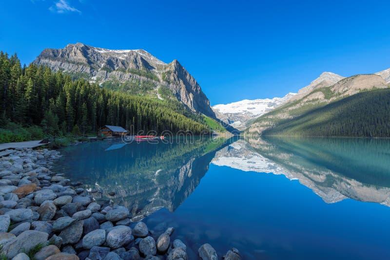 Pou de lac en parc national de Banff, Canada image libre de droits