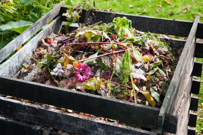 Poubelle de compost images stock