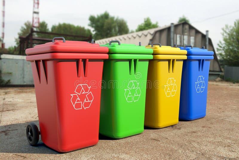 Poubelles multicolores de déchets photo stock