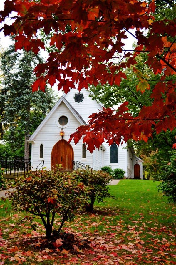 Pouca capela branca imagem de stock