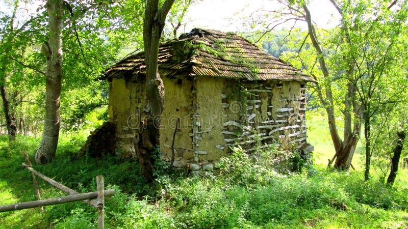 Pouca casa - natureza imagem de stock