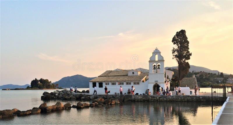 Pouca igreja em Corfu fotos de stock royalty free