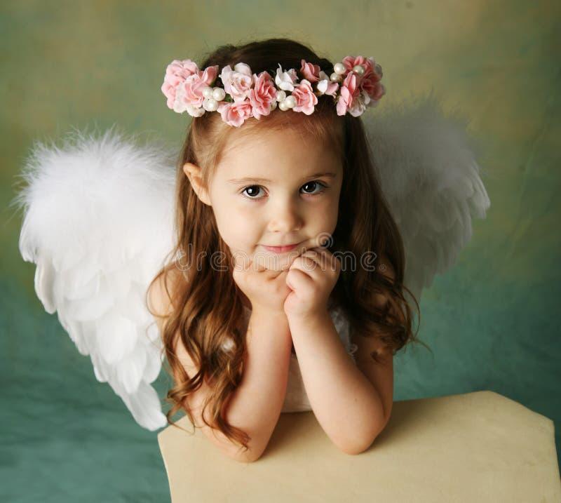 Pouca menina do anjo imagens de stock