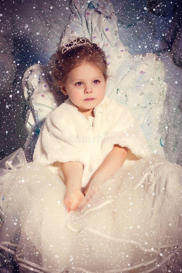 Pouca princesa do inverno foto de stock royalty free