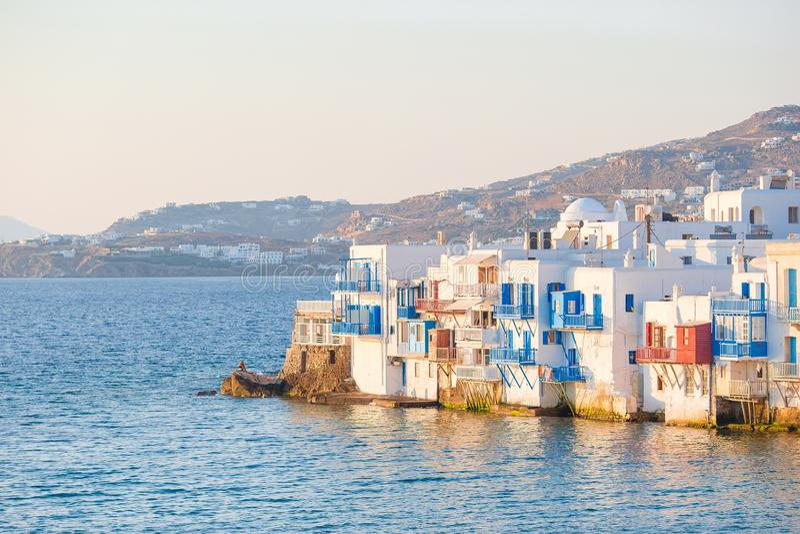Pouca Veneza a atração a mais popular na ilha de Mykonos na luz macia da noite em Grécia, Cyclades fotografia de stock royalty free