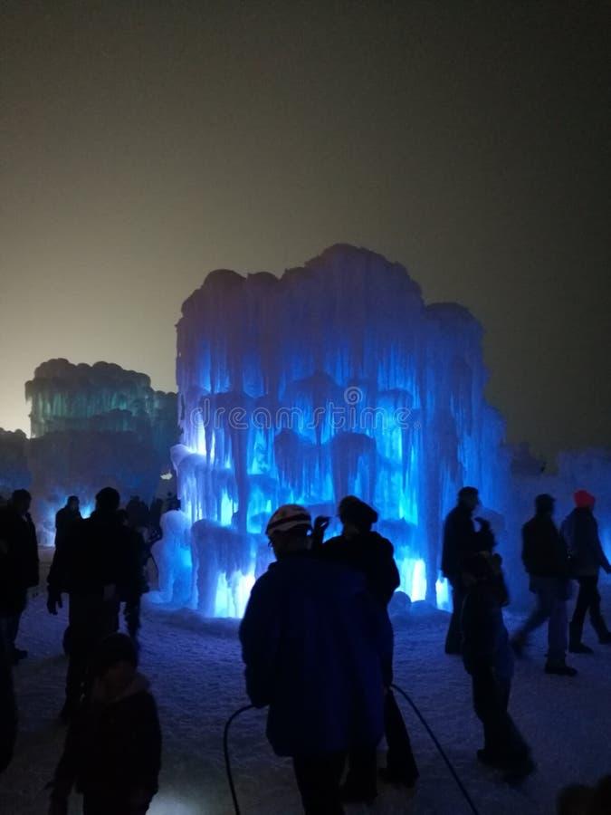 Pouco castelo do gelo imagens de stock