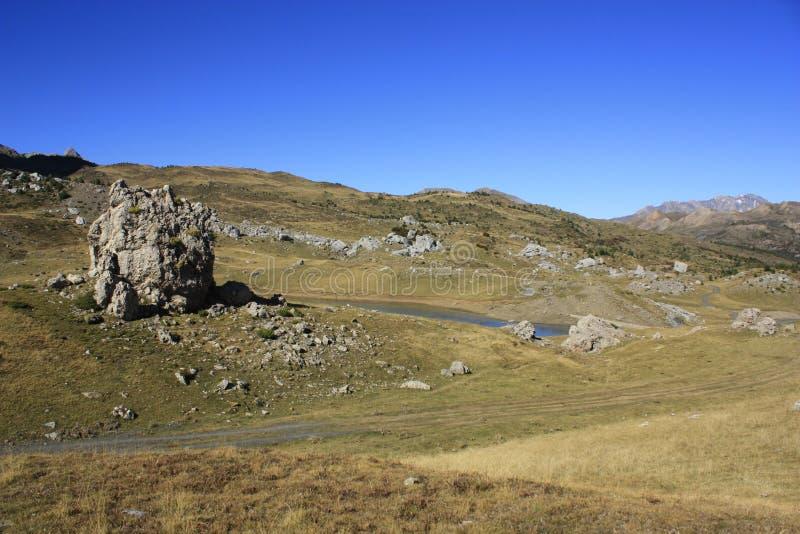 Poucos lago e montanhas em Pyrenees Traamacastilla de Tena fotos de stock royalty free