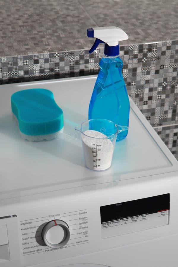 Poudre de blanchisserie pour le jour de lavage image stock