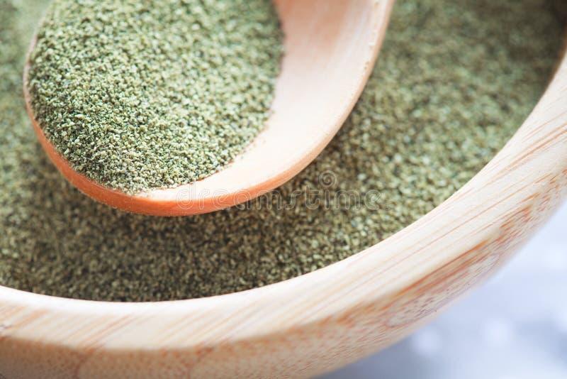Poudre de vert de varech (algues) image libre de droits