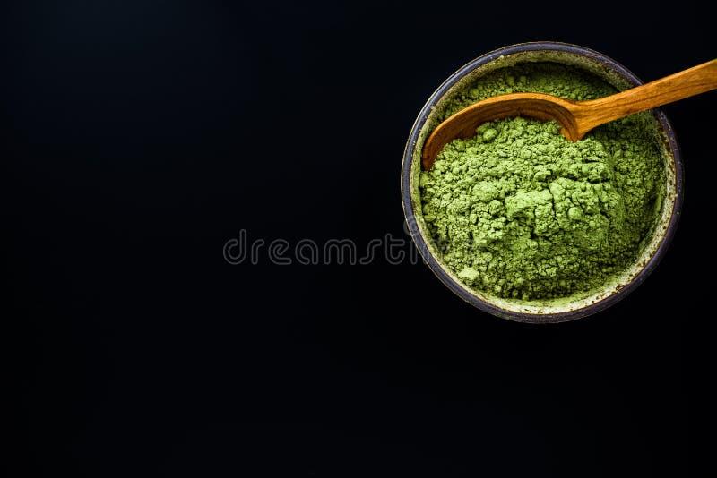 Poudre finement moulue de thé vert de Matcha photo libre de droits