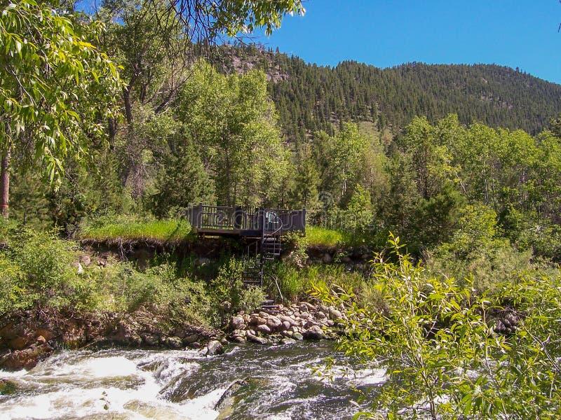 Poudre kanjon, Coloradoflodensikt royaltyfri foto