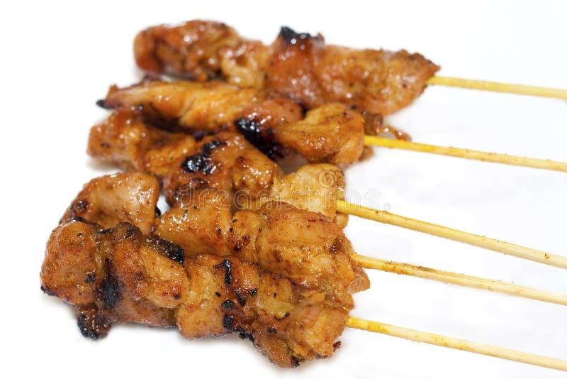 Poulet asiatique délicieux Satay de cuisine d'isolement images libres de droits