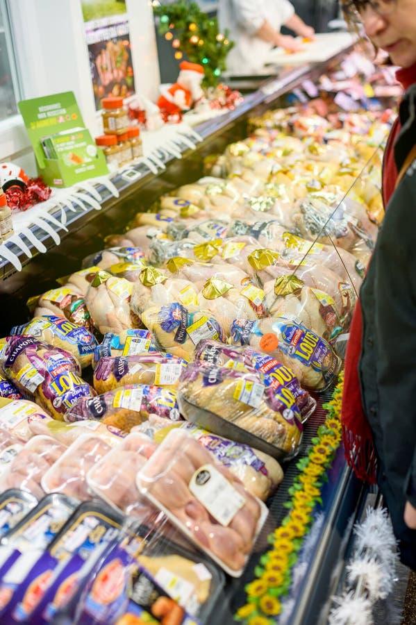 Poulet de viande fraîche, boeuf, porc, canard au département de boucher au su images libres de droits