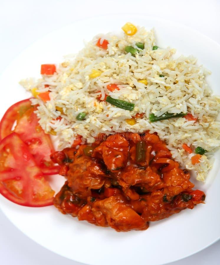 Poulet doux et aigre avec du riz image libre de droits