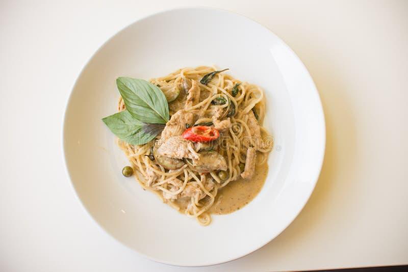 Poulet vert de cari de spaghetti photos stock