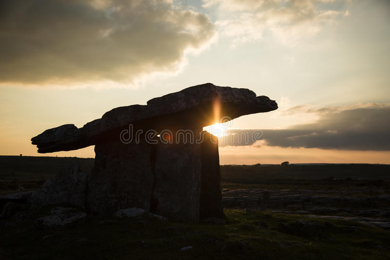 Poulnabrone Dolmen stock images