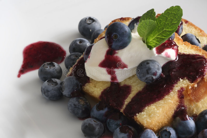 Pound Cake With Blueberries Royalty Free Stock Photography