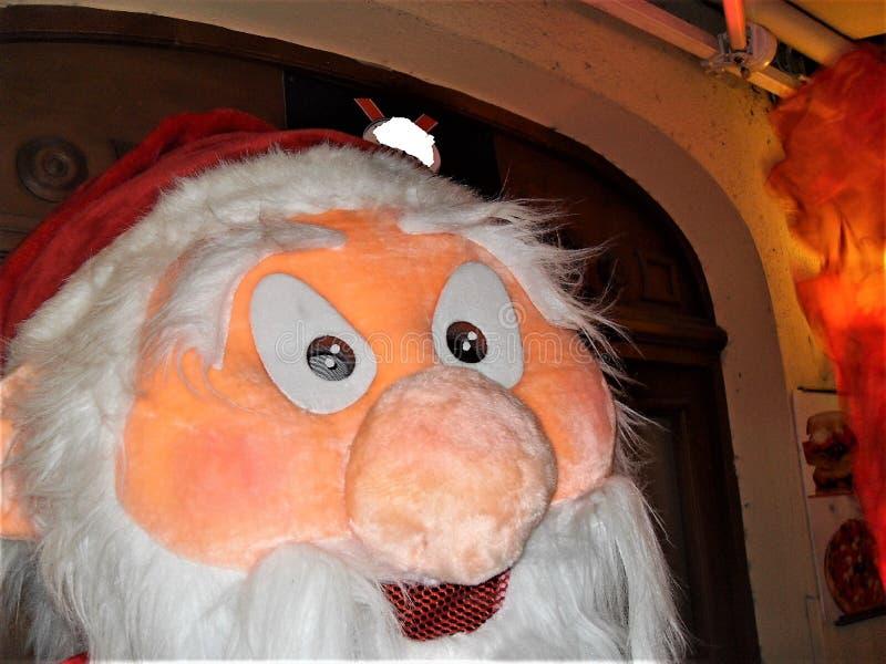 Poupée de Santa Claus dans la pleine taille image stock