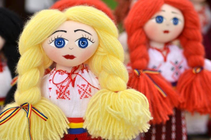 Poupées roumaines photographie stock libre de droits