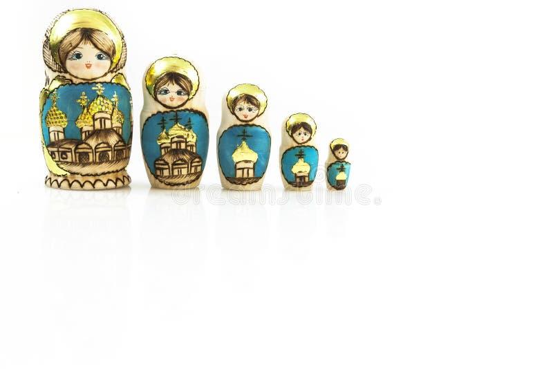 Poupées traditionnelles polonaises de Babushka de collection dans la ligne. images stock