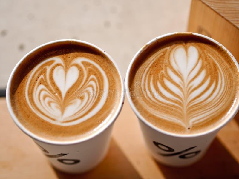 Pour cent de Latte Art Coffee photo stock