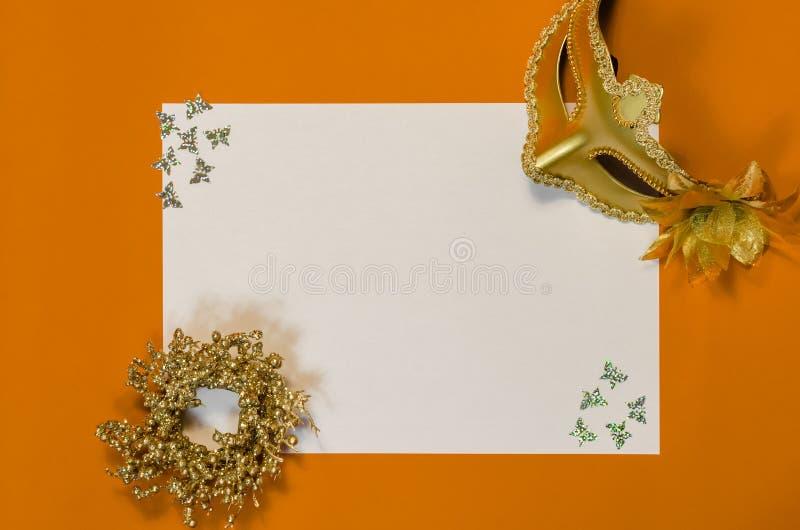 Pour faire la liste avec la décoration d'or image libre de droits