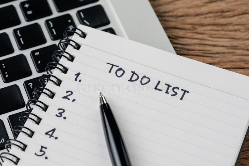 Pour faire la liste, la liste de contr?le des choses ou les t?ches d'accomplir pour l'habitude de la vie, concept de plan de proj image libre de droits