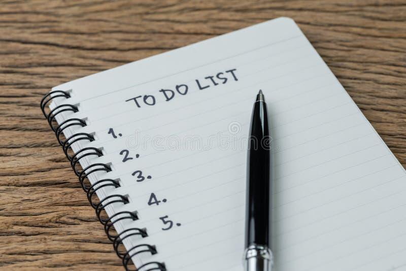 Pour faire la liste, la liste de contr?le des choses ou les t?ches d'accomplir pour l'habitude de la vie, concept de plan de proj image stock