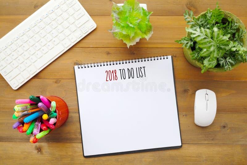 2018 pour faire la liste sur le fond vide de papier de carnet sur l'étiquette de bureau photographie stock libre de droits