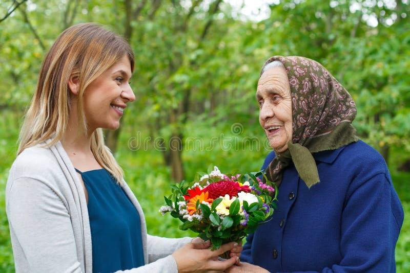 Pour la grand-maman, avec amour image libre de droits