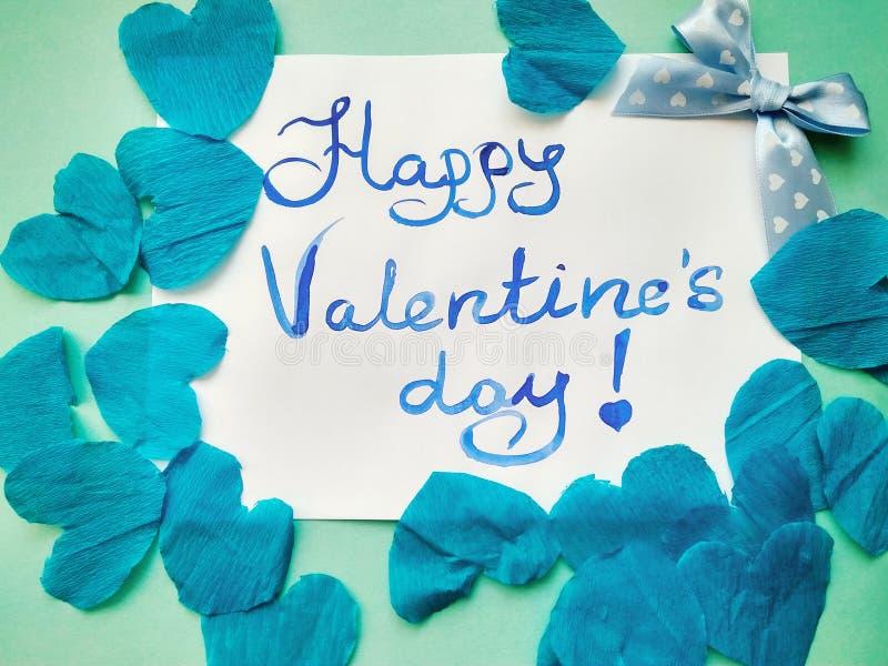 Pour la Saint-Valentin et les coeurs heureux d'inscription de Saint-Valentin image stock