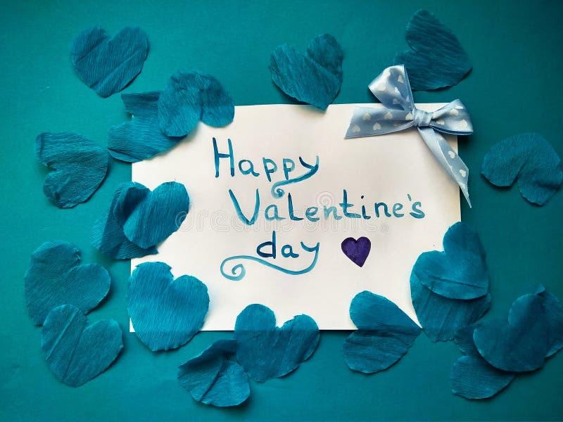Pour la Saint-Valentin et les coeurs heureux d'inscription de Saint-Valentin images stock