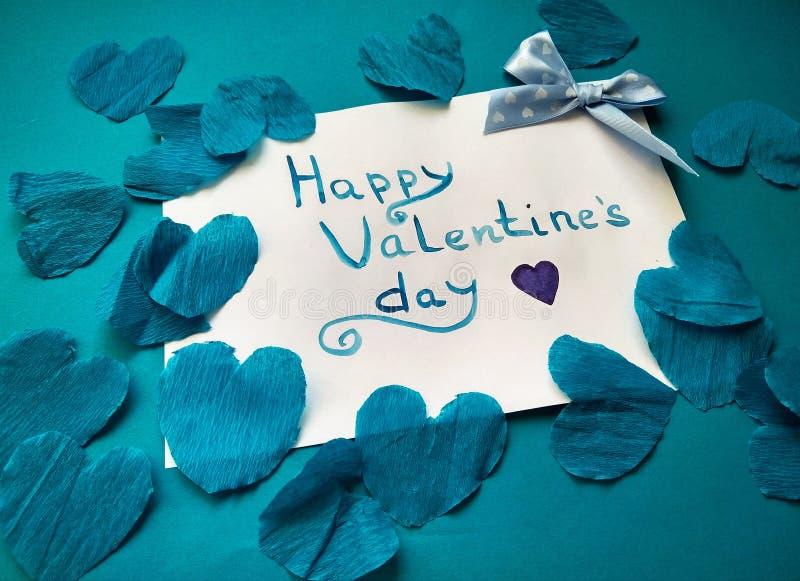 Pour la Saint-Valentin et les coeurs heureux d'inscription de Saint-Valentin photos stock
