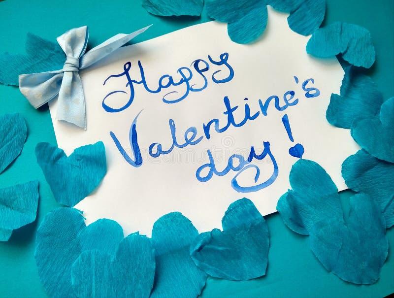 Pour la Saint-Valentin et les coeurs heureux d'inscription de Saint-Valentin photographie stock libre de droits