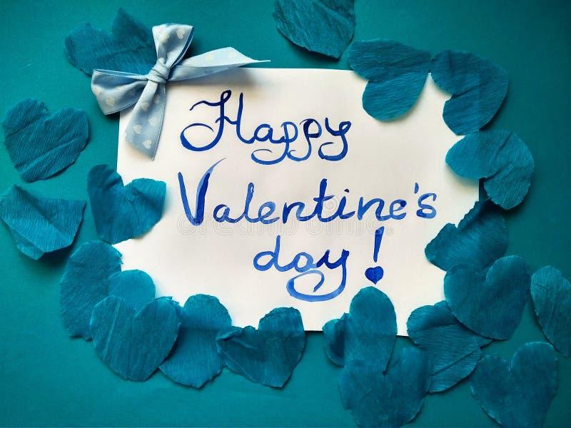 Pour la Saint-Valentin et les coeurs heureux d'inscription de Saint-Valentin photo libre de droits