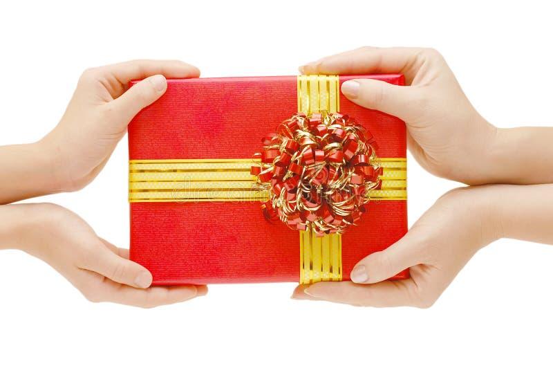 Pour remettre un cadeau photo stock